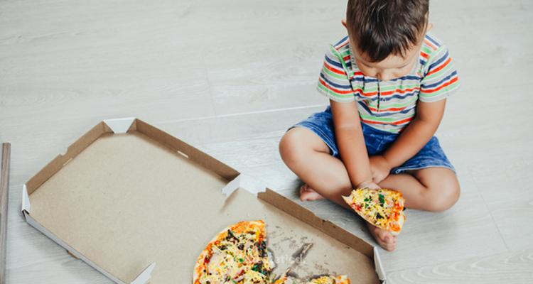 ¿Cómo se puede evitar el sobrepeso y la obesidad infantil?