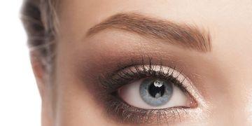 Elevación de cejas: técnicas y consejos