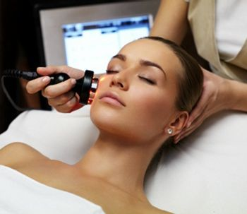 Radiofrecuencia facial para mantener tu piel joven