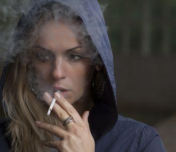 ¿Cómo influye el tabaco en la estética dental?