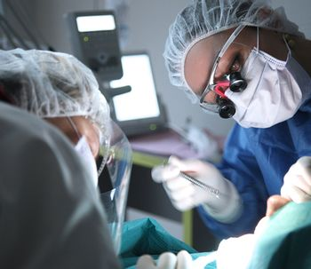 Las 3 grandes ventajas de la microcirugía estética periodontal