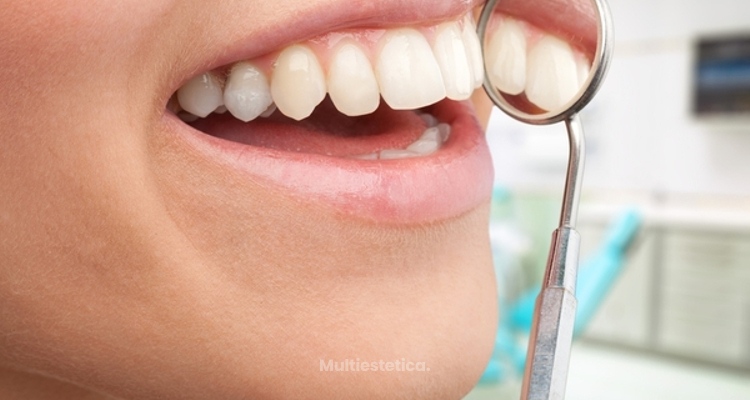¿Envejece la sonrisa? ¿Cómo cambian nuestros dientes y nuestra boca con el tiempo?
