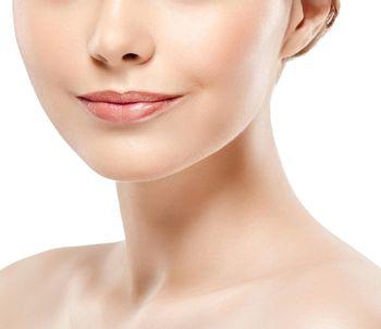 Nefertiti Lift, un tratamiento innovador para definir la mandíbula y el cuello