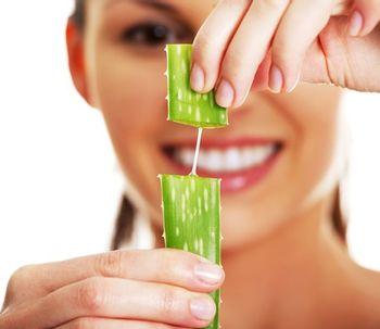 Regenera tu piel tras el verano con vitaminas y aloe vera