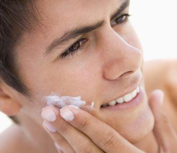 Más del 50% de los hombres cuida su piel