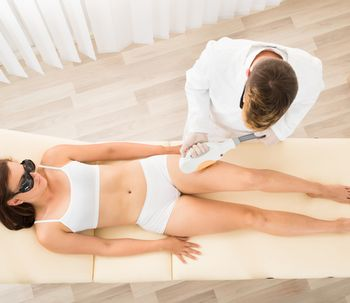 ¿Influye el fototipo de la piel y la edad en la depilación láser?