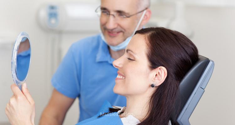 Rehabilitación funcional y estética mediante implantes dentales