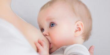¿Por qué se caen los pechos tras los embarazos?