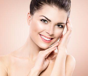 Di adiós al bótox con el blanching, un método eficaz para alisar las arrugas