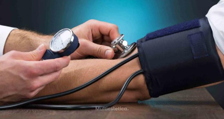 ¿Cómo disminuir el riesgo de hipertensión arterial en personas con obesidad?