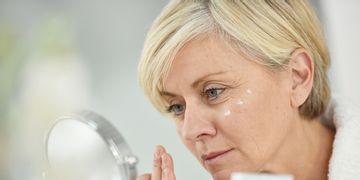 ¿La menopausia afecta a la caída del cabello?