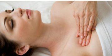 Masajes tras un aumento de pecho: ¿Son necesarios?