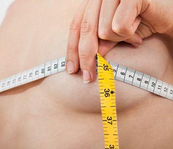 Todo lo que debes saber antes de someterte a una mamoplastia de aumento
