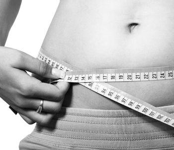 ¿Cómo reducir su cintura? Pros y contras de una cirugía