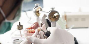 ¿Qué prótesis dental elegir?