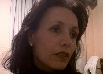 Dra. Arnold Laura