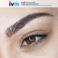 Micropigmentación de cejas con técnica 'pelo a pelo'