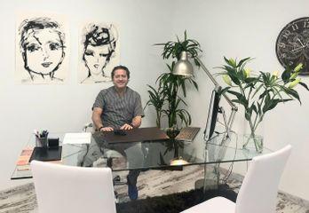 Dr. Luis Comino colegiado 2950 - CominoEstetics