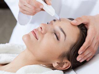 Tratamiento facial con peeling ultrasonico