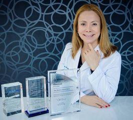 Doctora Mariana Sacoto Navia Experta en Ortodoncia Invisalign Barcelona.JPG