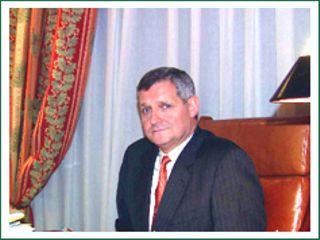 Dr. Luis Ágreda Ulloa