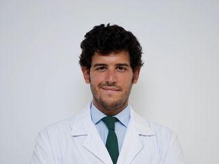 Dr. Alejandro Encinas Bascones