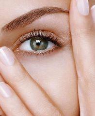 Mirada rejuvenecerla: ojeras, exceso de piel, bolsas , ojos tristes