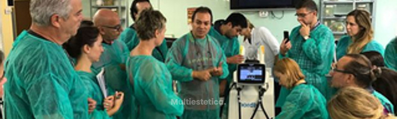 Impartiendo Docencia en el Máster de Medicina Estética UCO.jpg