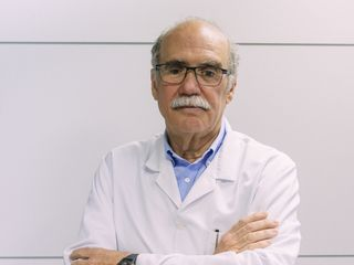 Dr. Saenger, Director y Fundador