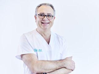 Dr.Diego Carrión Cáceres