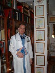 Dr. Alberto Lajo