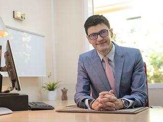 Dr Pérez Escariz