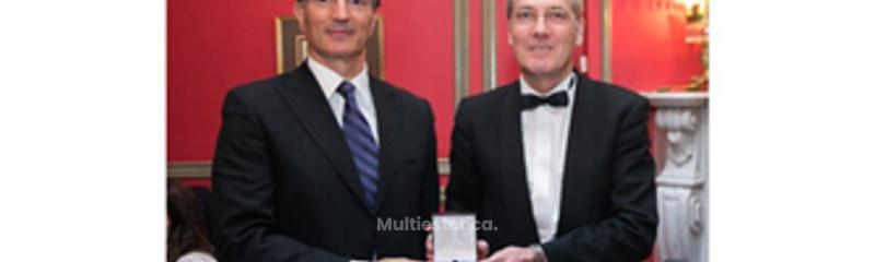 Medalla de Oro otorgada a profesionales cuya excelencia Profesional se aúna a la humanitaria