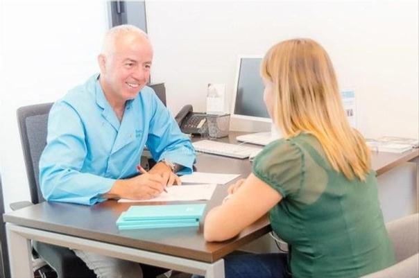 Consulta con un médico estético