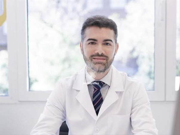Dr. Javier Galindo, médico estético
