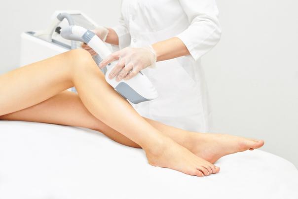 Sesión de fotodepilación en las piernas