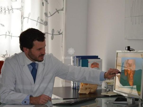 Dr. Ignacio Solís García, cirujano maxilofacial