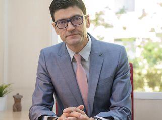Dr. Pedro Pérez Escariz Cirujano Plástico y Estético
